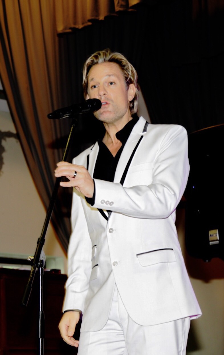 Ike Moriz at Schoenstatt Center Wine Fest Constantia Rotary Club November 2017 swing jazz latin pop charity function auction